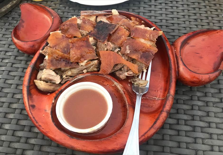 マクタン島フィリピン料理レストランLantawのレチョン