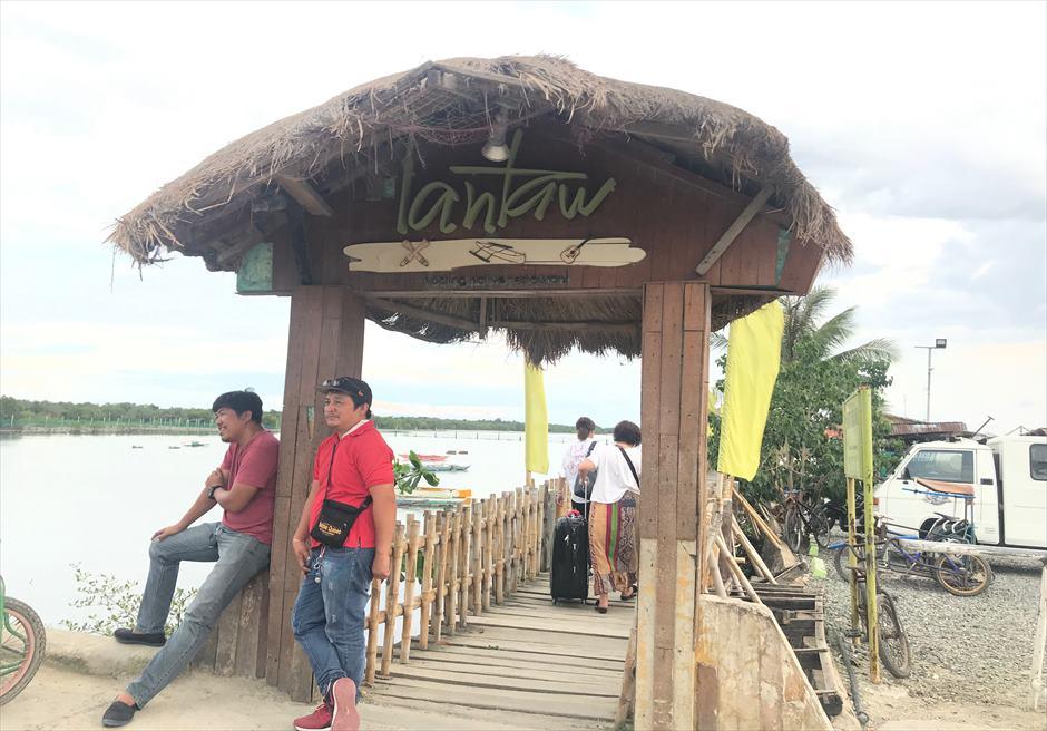 人気のフィリピン料理レストラン・ランタウのエントランス