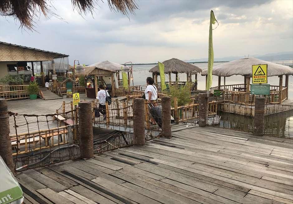 セブ島人気レストランLantawの屋外エリア