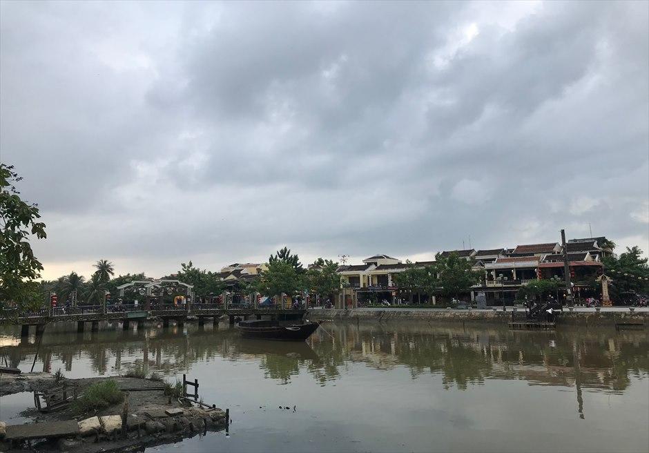 ベトナム ホイアン旧市街 朝の様子