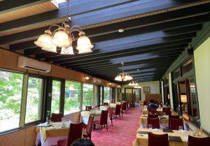 軽井沢万平ホテル メインダイニング内装 フランス料理